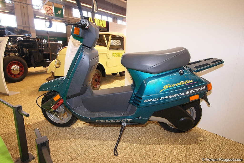 forum peugeot photos des v nements scooter electrique prototype 1985. Black Bedroom Furniture Sets. Home Design Ideas